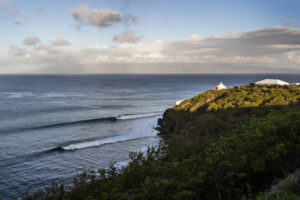 Maui - Foto por Kelly Cestari/WSL via Getty Images